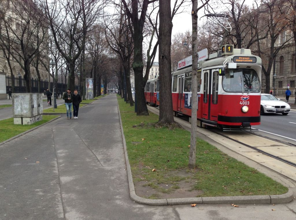 Ringstrasse Tram - Dec 2014