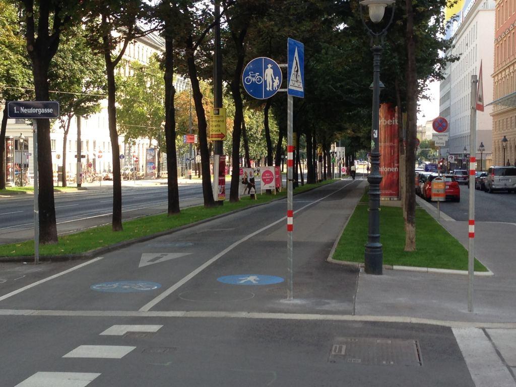 Schottenring Bike Path 29aug13